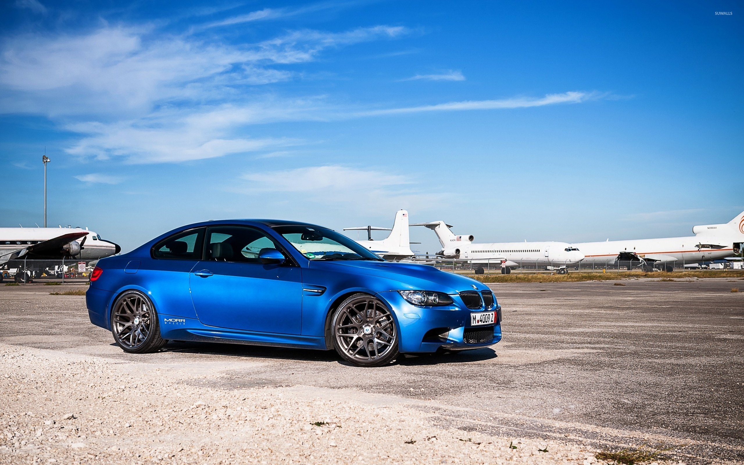 синий автомобиль BMW blue car  № 215690  скачать