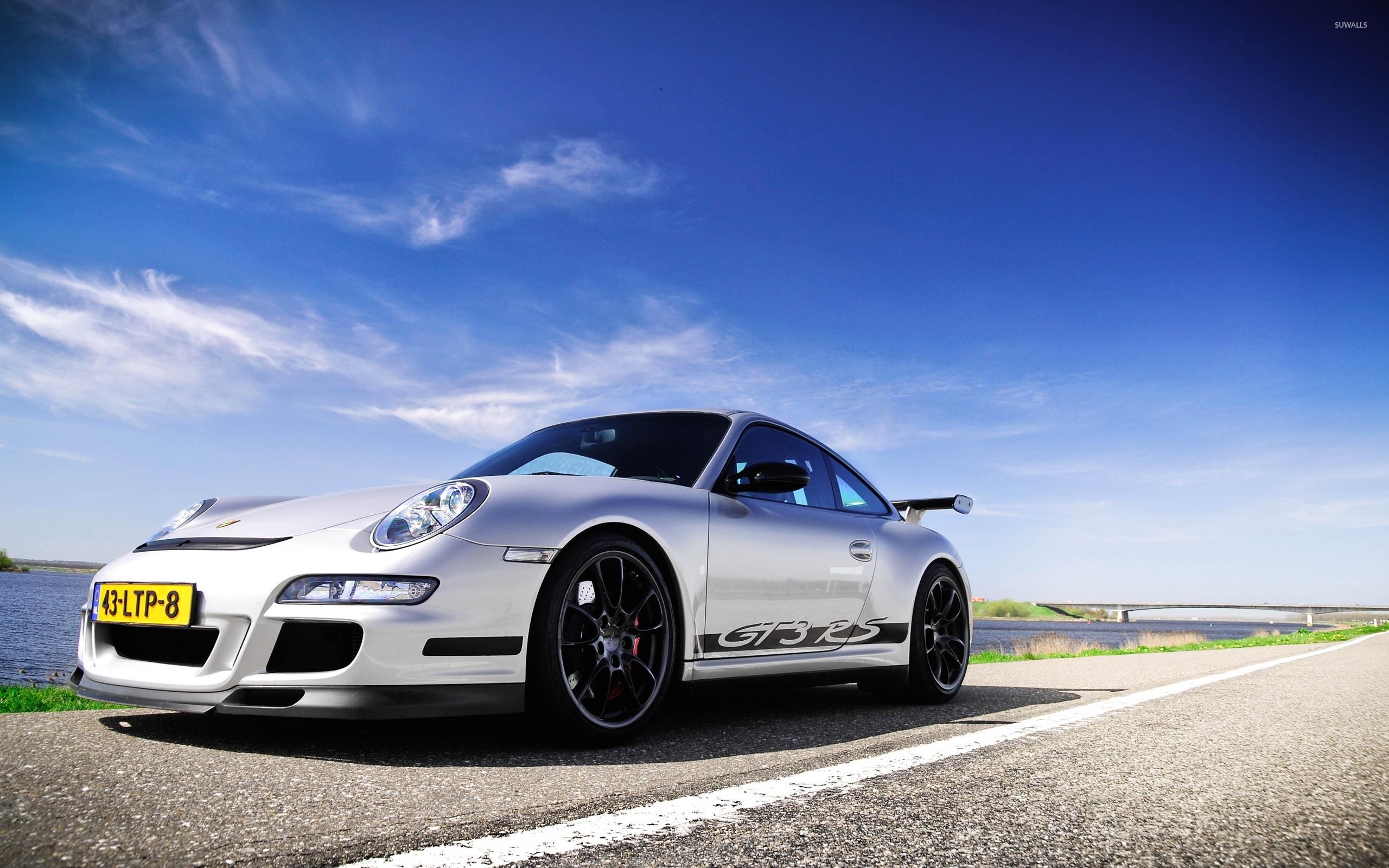 серебристая Porsche  № 984913 без смс