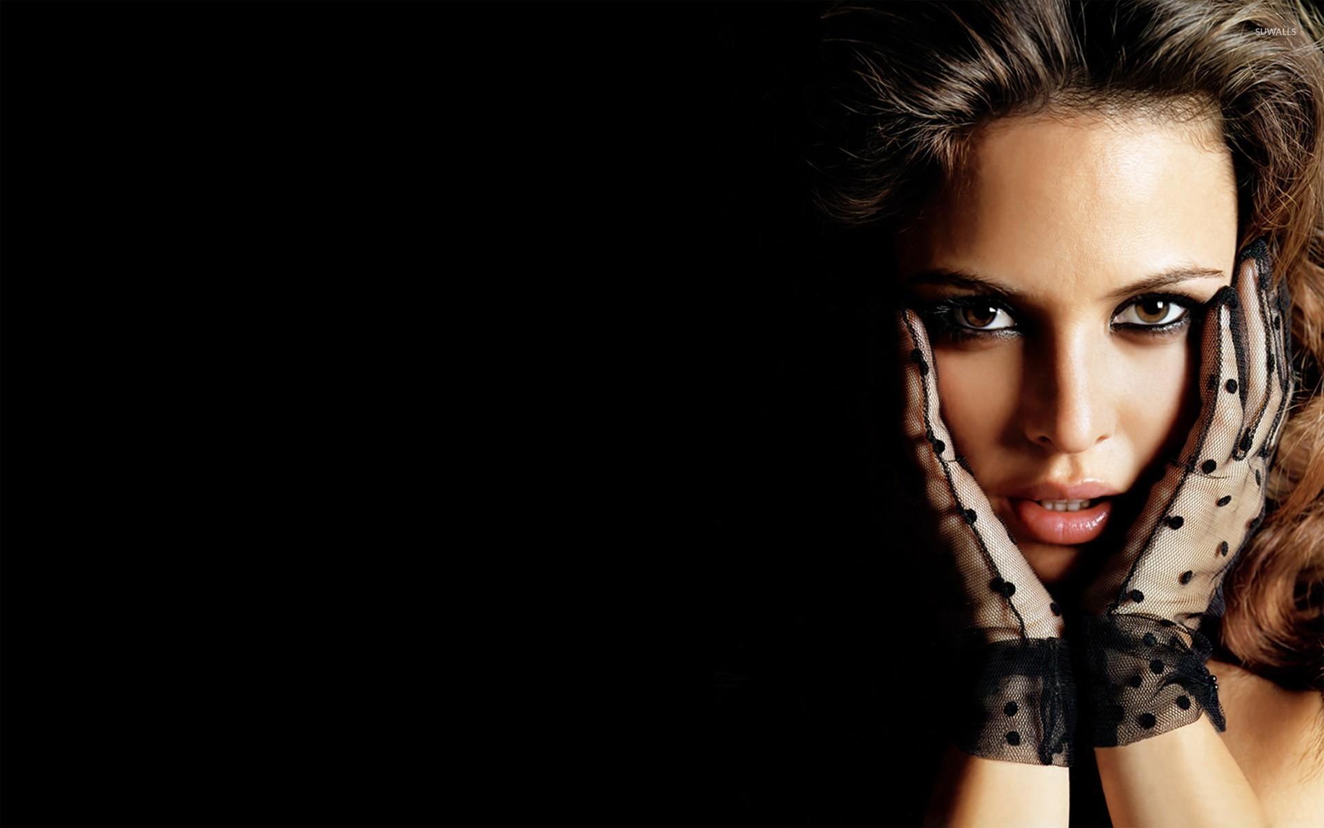 девушка в золоте взгляд лицо  № 1869903 без смс