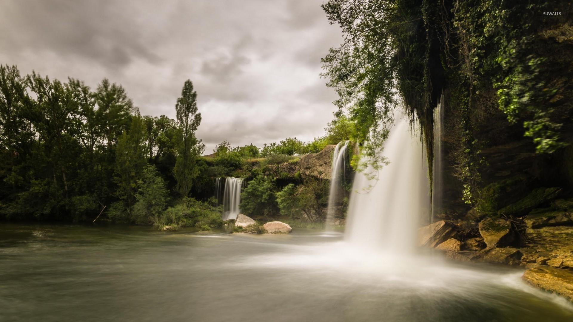 водопад деревья озеро  № 3898793 без смс