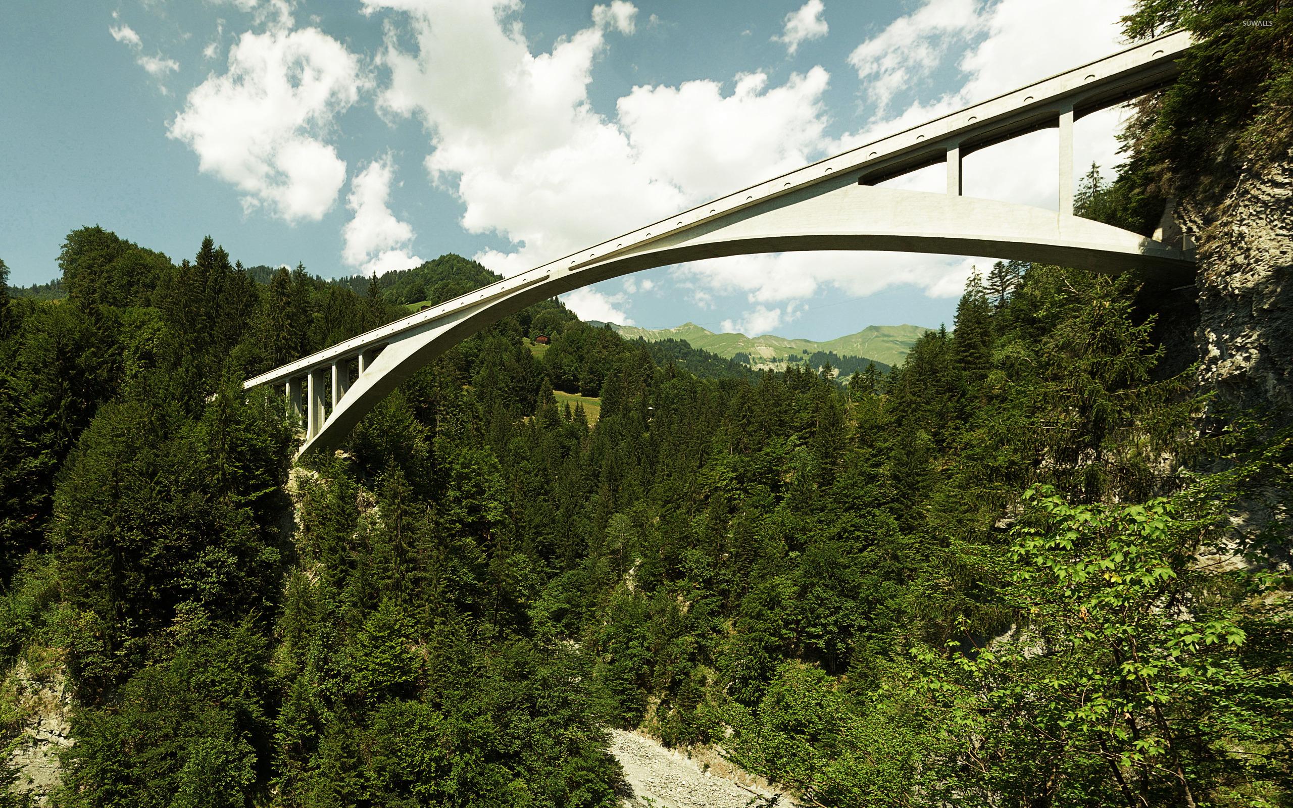 Мост над дорогой  № 2225391 бесплатно