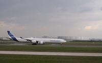 Airbus A340 landing wallpaper 1920x1200 jpg