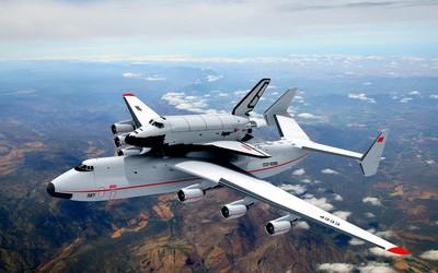 Antonov An-225 with Buran space shuttle wallpaper
