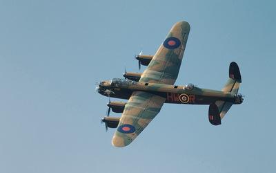 Avro Lancaster flying wallpaper