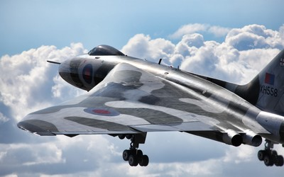 Avro Vulcan flying towards the clouds wallpaper