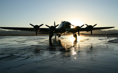 Boeing B-17 Flying Fortress [2] wallpaper