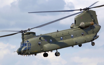 Boeing CH-47 Chinook heavy-lift helicopter wallpaper