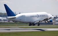 Boeing Dreamlifter taking off wallpaper 2560x1440 jpg