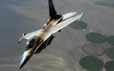 Camouflaged General Dynamics F-16 Fighting Falcon Wallpaper