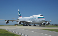 Cathay Pacific Boeing 747 on the track wallpaper 2560x1600 jpg