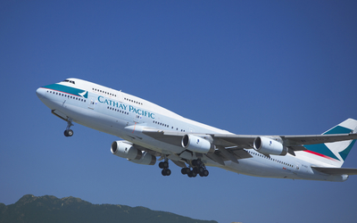 Cathay Pacific Boeing 747 take-off wallpaper
