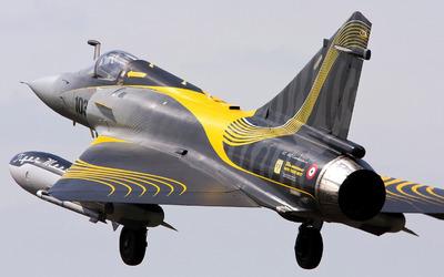 Dassault Mirage 2000 taking off wallpaper