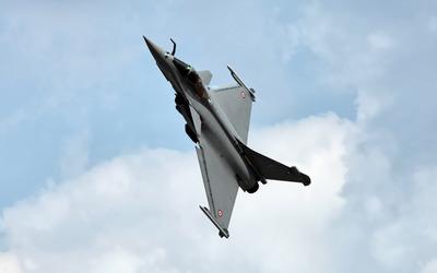 Dassault Rafale ascending wallpaper