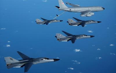 General Dynamics F-111 Aardvark [2] wallpaper