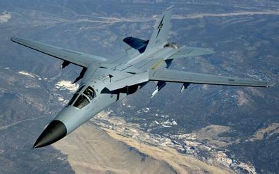 General Dynamics F-111 Aardvark wallpaper