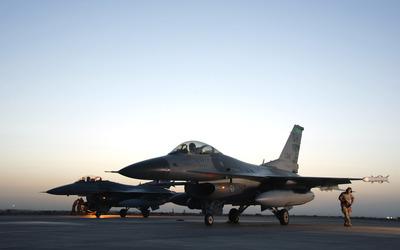 General Dynamics F-16 Fighting Falcon [8] wallpaper