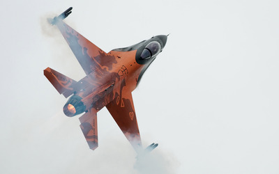 General Dynamics F-16 Fighting Falcon [19] wallpaper