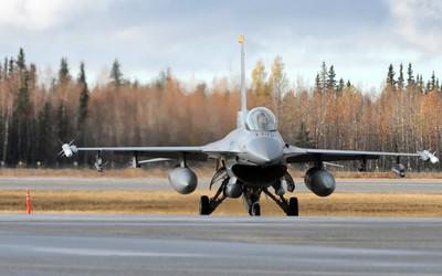 General Dynamics F-16 Fighting Falcon [26] wallpaper