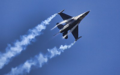 General Dynamics F-16 Fighting Falcon [29] wallpaper