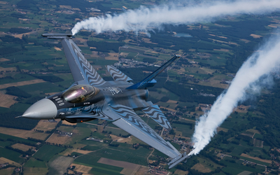 General Dynamics F-16 Fighting Falcon [3] wallpaper
