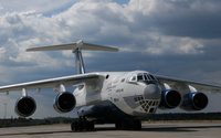 Ilyushin Il-76 on airport track wallpaper 1920x1200 jpg