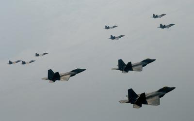 Lockheed-Martin F-22 Raptor wallpaper
