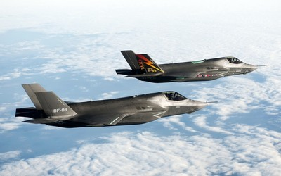 Lockheed-Martin F-35 Lightning [2] wallpaper