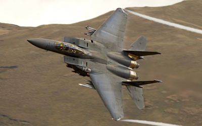 McDonnell Douglas F-15 Eagle flying on a side wallpaper