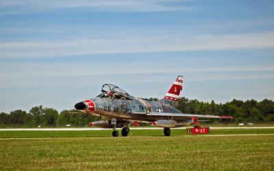 North American F-100 Super Sabre wallpaper
