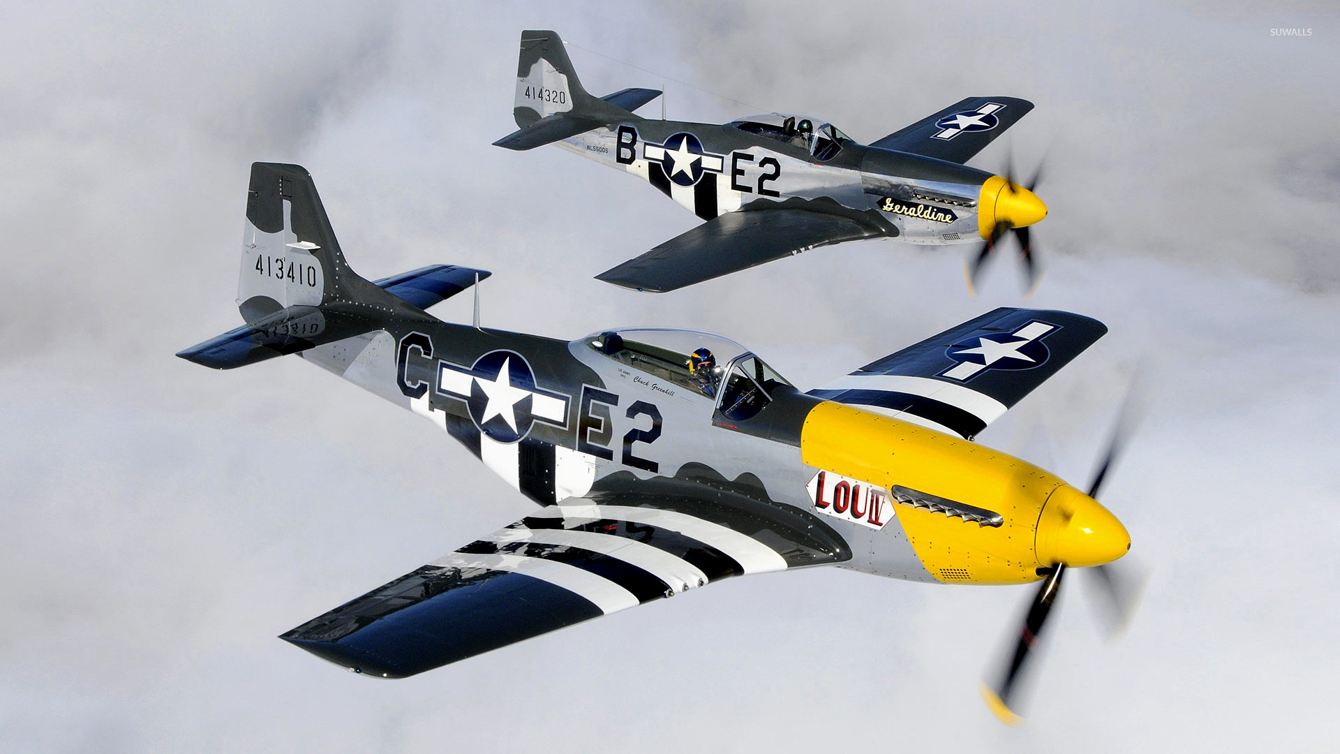 North American P 51 Mustang Flying In Tandem Wallpaper Aircraft