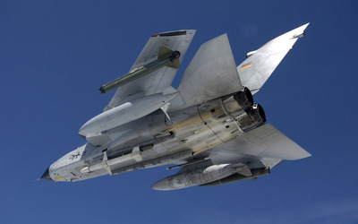 Panavia Tornado view from under [2] wallpaper
