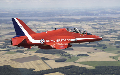 Royal Air Force above the field wallpaper