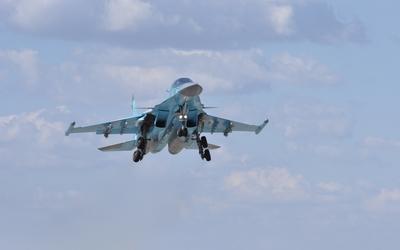 Sukhoi Su-34 during takeoff wallpaper
