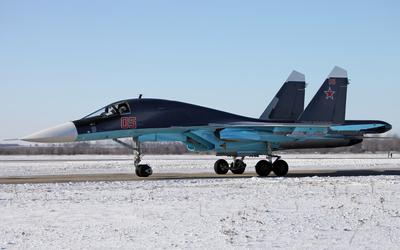 Sukhoi Su-34 on a winter day wallpaper