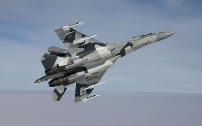 Sukhoi Su-35 with rockets wallpaper
