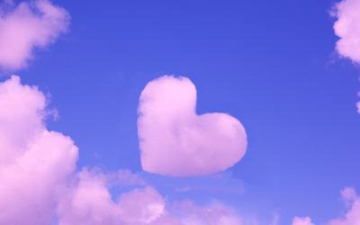 Heart shaped pink cloud wallpaper