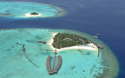 Amazing Maldive resorts wallpaper