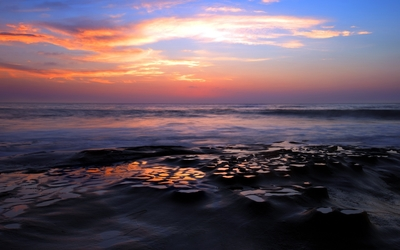 Beautiful sunset at the ocean wallpaper