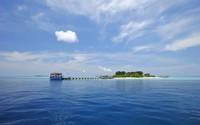 Boat at the island pier wallpaper 2560x1600 jpg