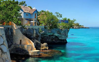 Coastal house in Negril, Jamaica wallpaper