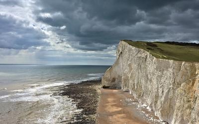 High rocky shore to the ocean [2] wallpaper