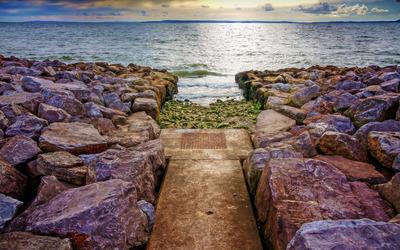 Path to the sea wallpaper