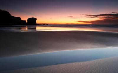 Peaceful sunset above the ocean Wallpaper