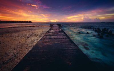 Pier towards the sunset wallpaper