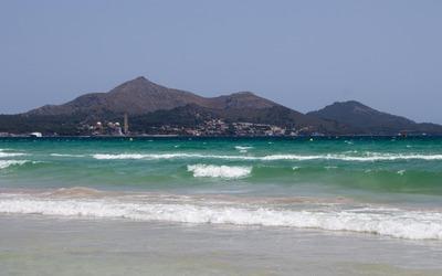 Playa de Muro beach wallpaper