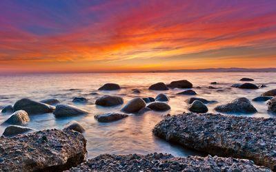 Red sunset over the ocean wallpaper