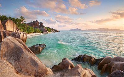 Rocky shore in Seychelles wallpaper