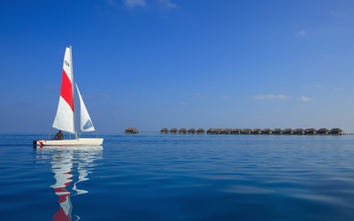 Sailing in Maldives wallpaper