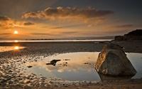 Splendid sunset sky over the sandy beach wallpaper 2560x1600 jpg
