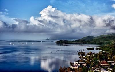 Storm brewing over Hawaii Wallpaper